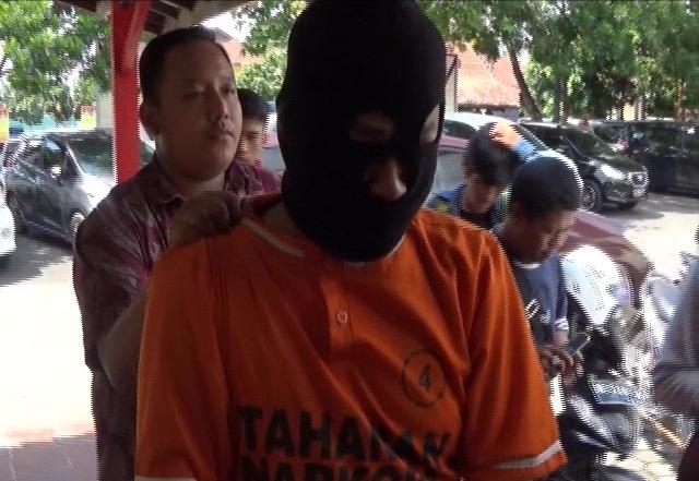 Jadi Kurir Shabu Supir Angkutan Umum Ditangkap Polisi