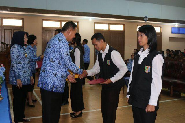 Pemerintah Provinsi Lampung Melepas Ratusan Peserta Lampung Mengajar