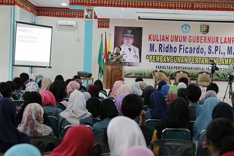 Gubernur Lampung Menyampaikan Kuliah Umum di Hadapan 500 Mahasiswa
