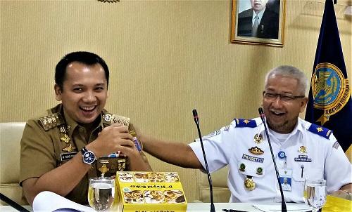 Gubernur Lampung dan Kemenhub Sepakat Babaranjang Keluar Bandar Lampung